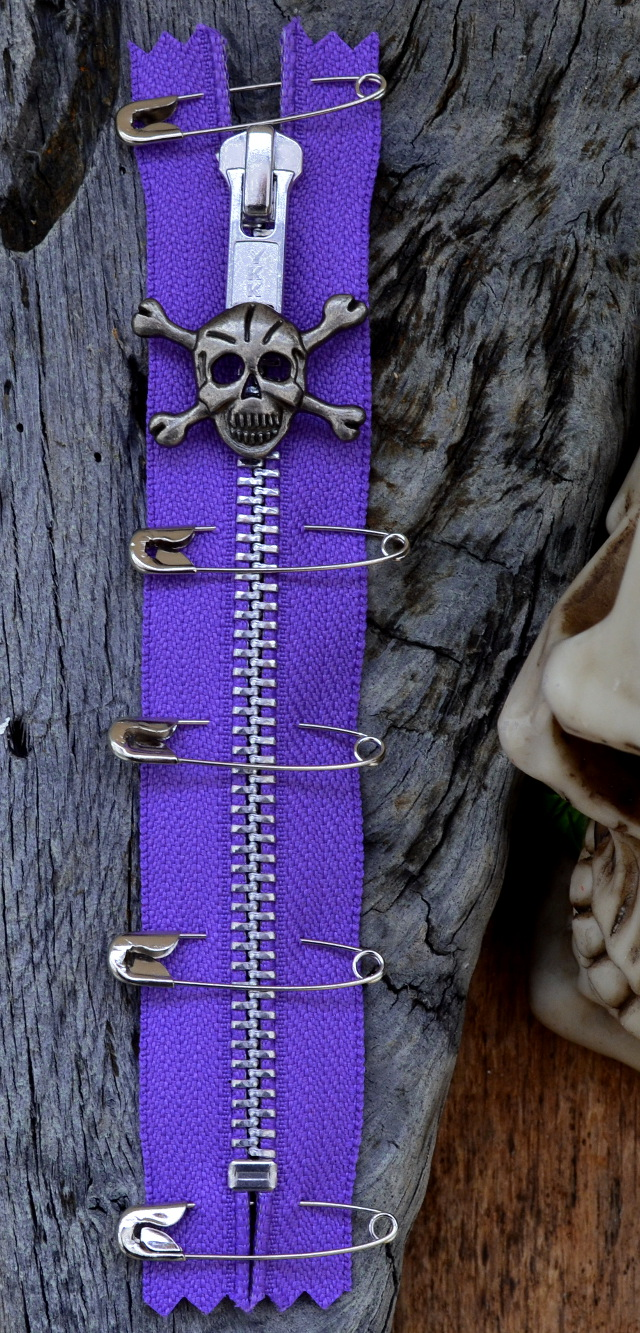 PURPLE PUNK ZIP With Skull Puller