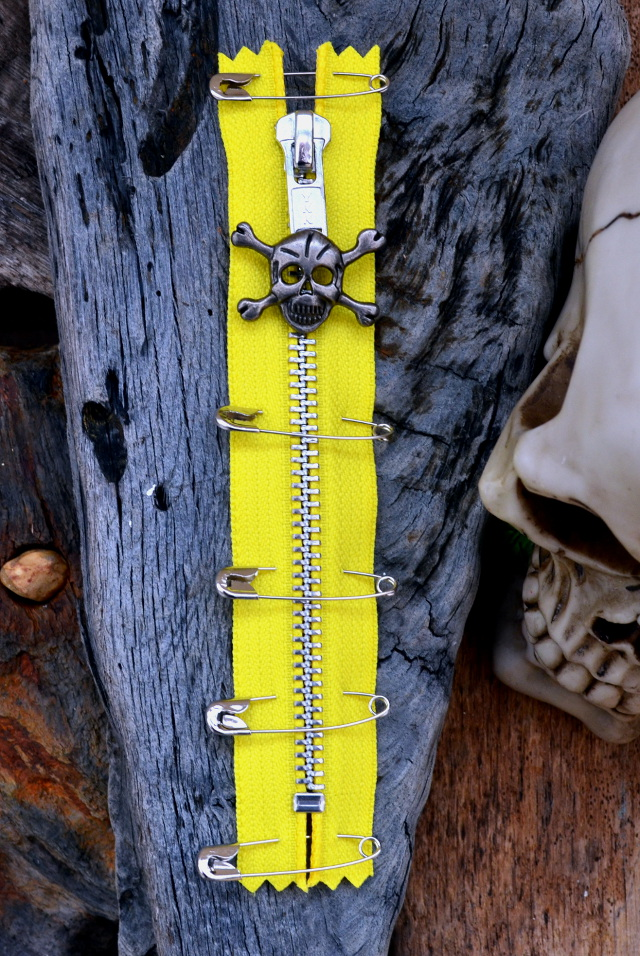 YELLOW PUNK ZIP With Skull Puller